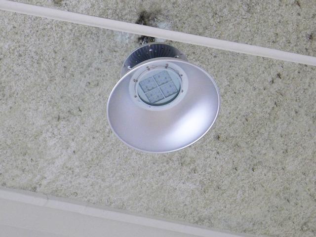 水銀灯置換型LEDライト